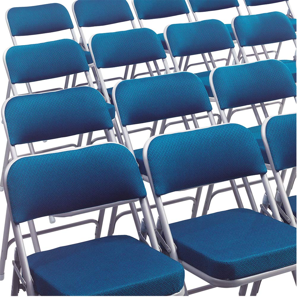 ... Rows Of 3215 Blue Thick Padded Folding Chairs ...